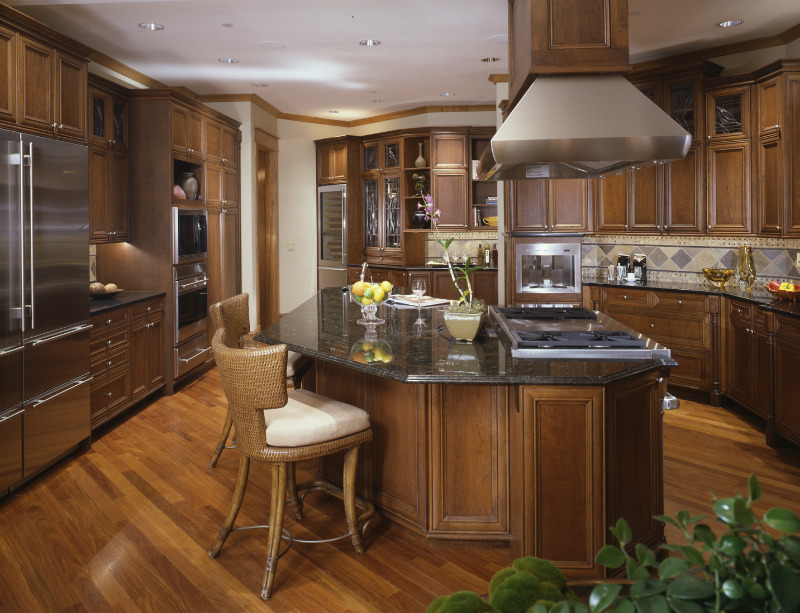 Custom cabinets kitchen cabinets kitchen counters for Kitchen cabinets kelowna